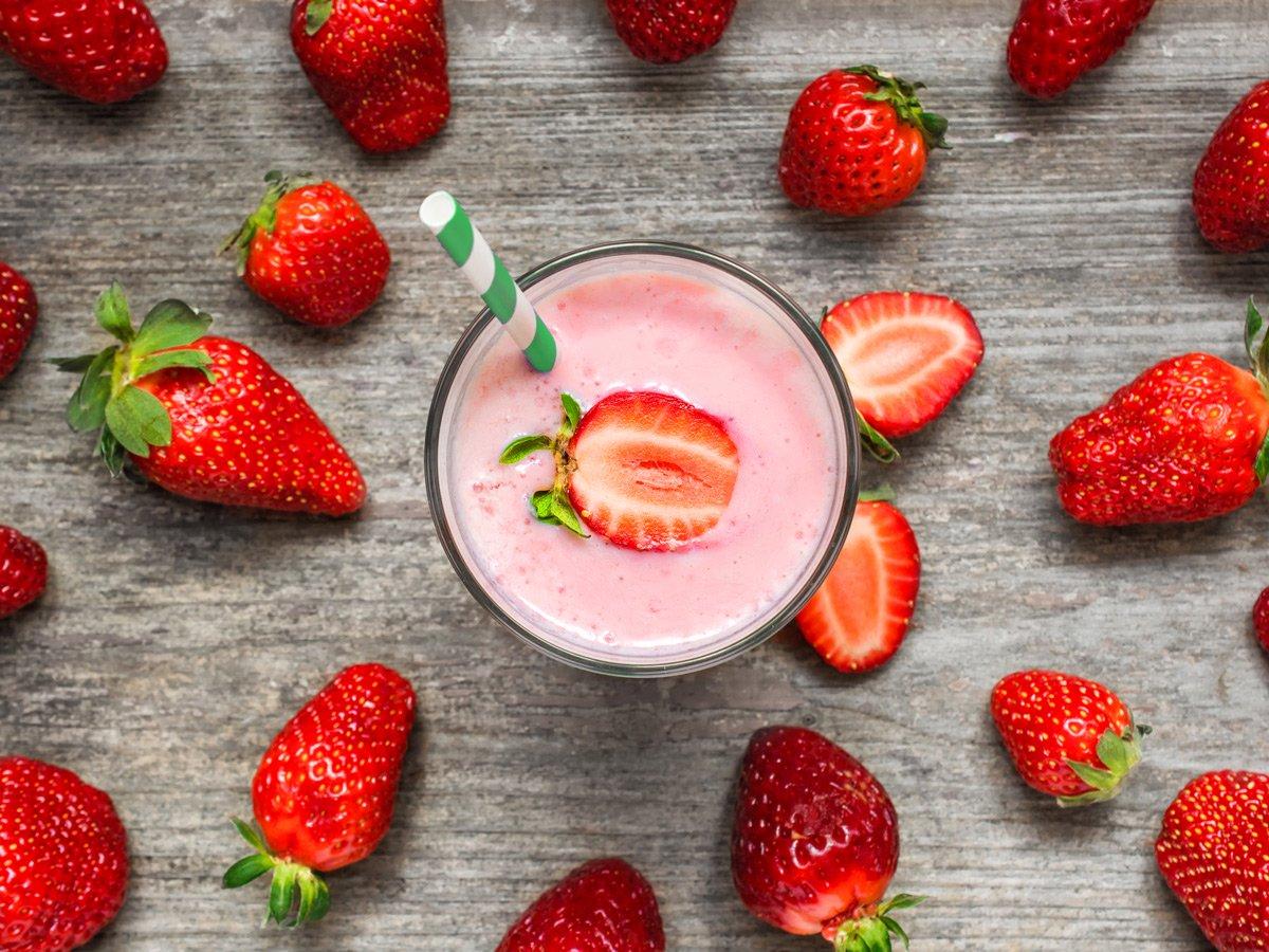 smoothie yogurt fragole